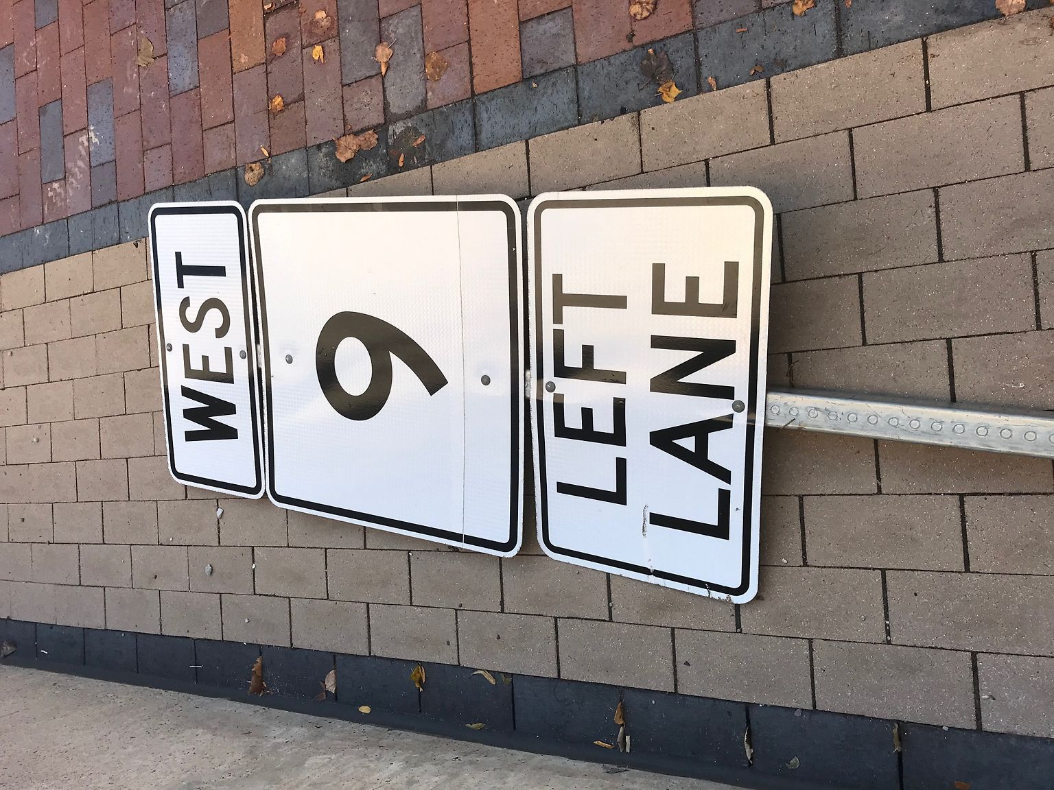 9_west_sign